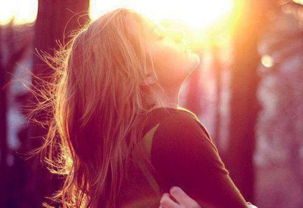 Donna raccolta nella spiritualità femminile